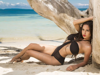 LeilaLeduc Latina Webcam girl