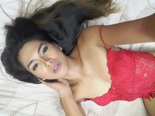 EmeraldLusT Asian sex cam pic