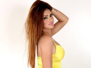 JuicyHotMALEEYA Asian webcam