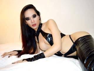 SavageQueenTS Asian cam model